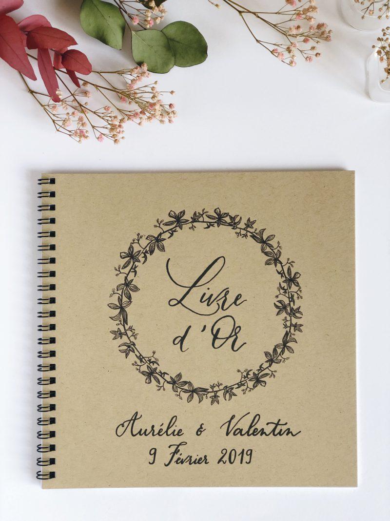 Livre D Or Mariage Champetre Couronne De Feuillage Et Calligraphie Sur Kraft