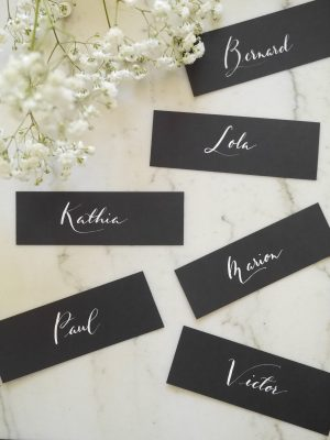 etiquette personnalisée noir et blanc calligraphie plume