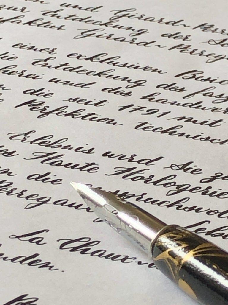 Invitation calligraphiée à la plume