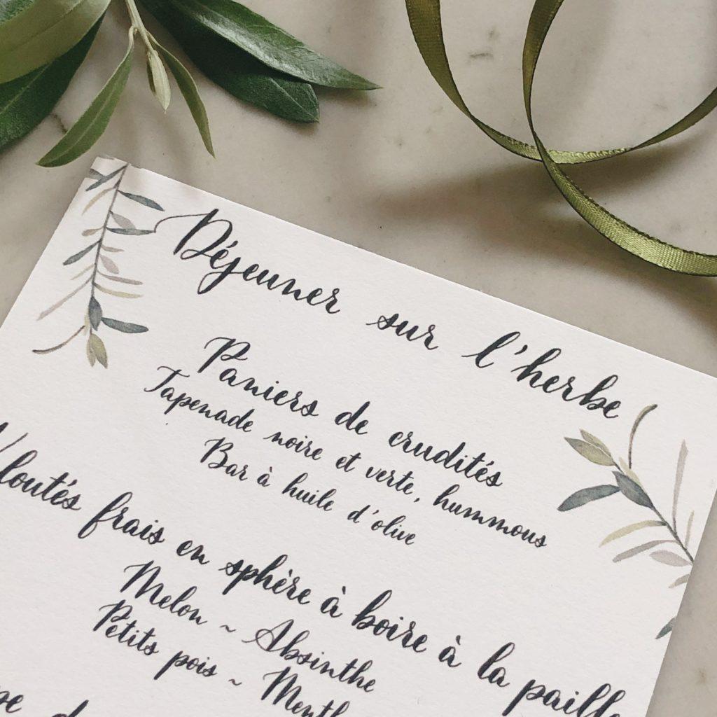 Menu avec calligraphie à la plume et aquarelle