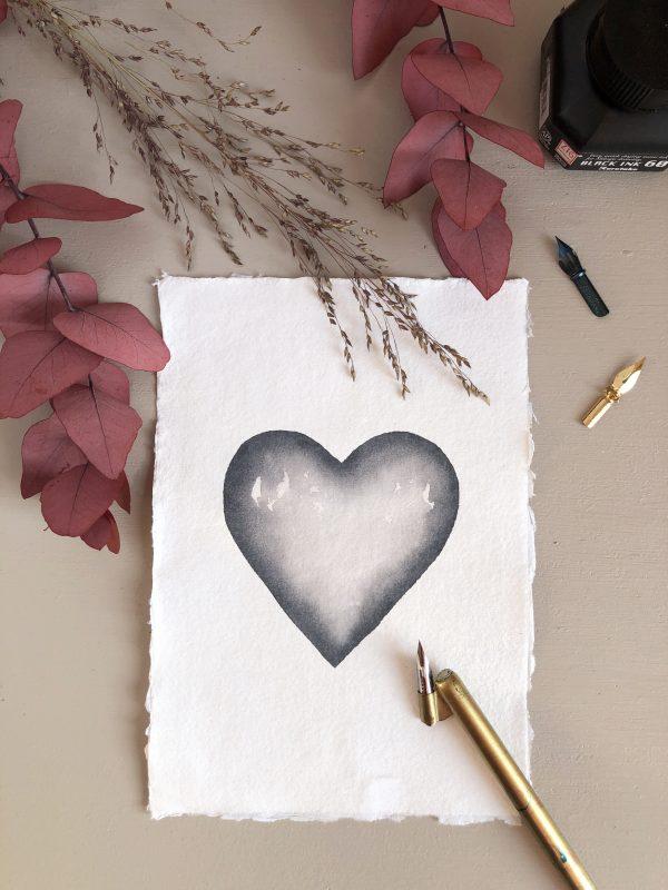 Coeur aquarelle gris