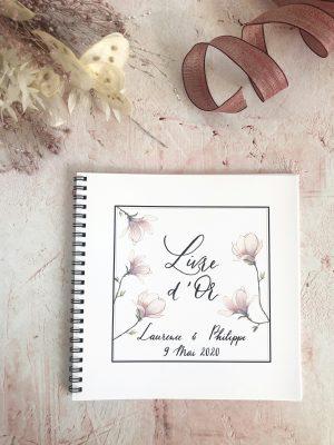 Livre d'or aquarelle fleurs de magnolia